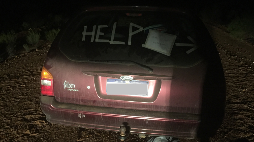 French backpackers rescued in WA after leaving SOS message in car
