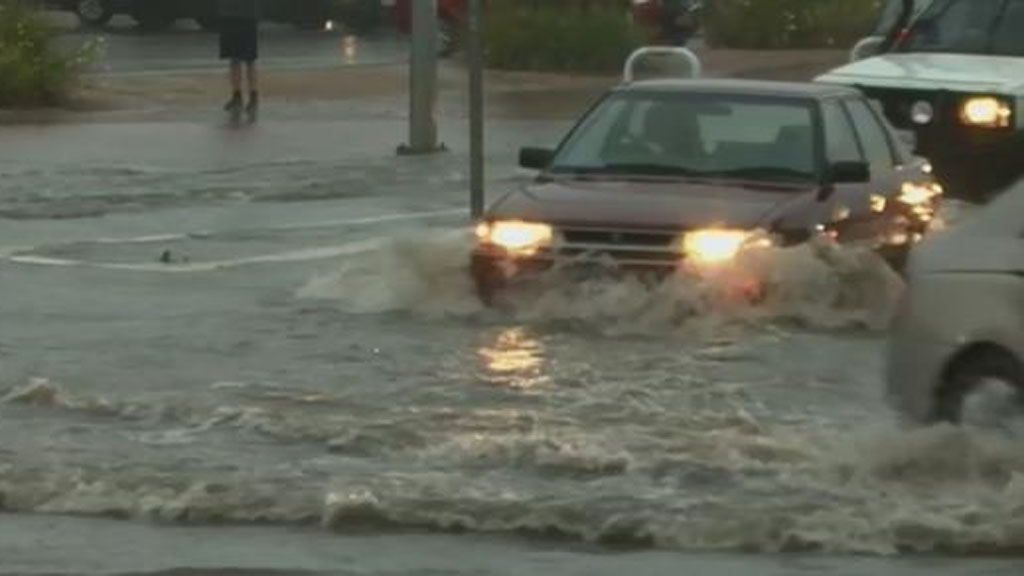 South Australians warned to prepare for flash flooding as thunderstorms lash state. (Twitter)