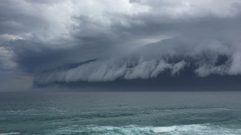 The shelf cloud rolled in from the sea. (Georgie Lorson)