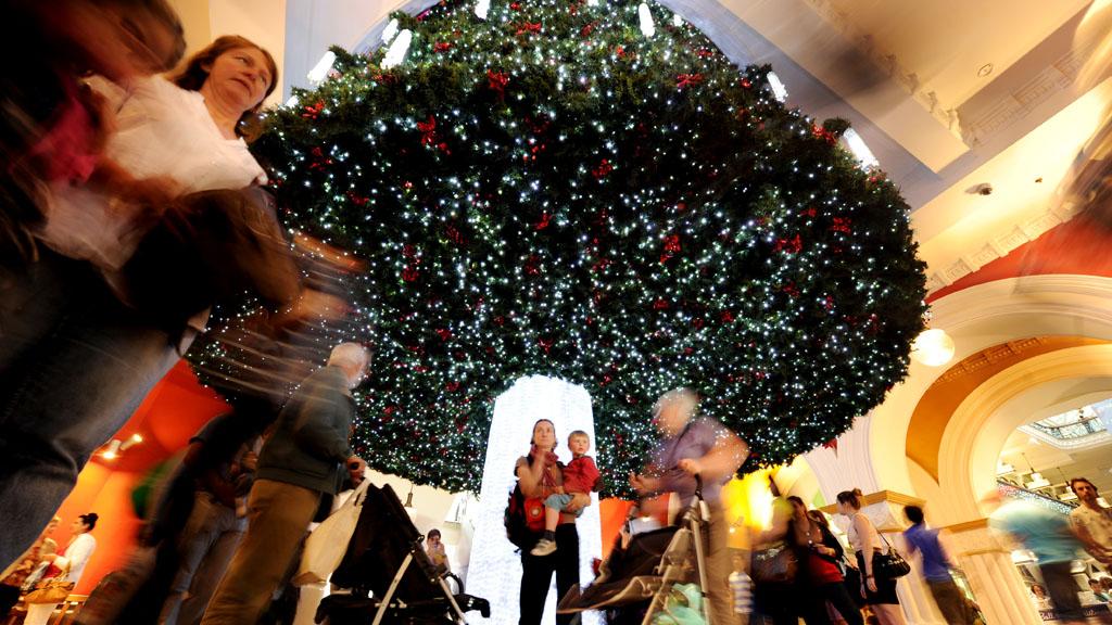 UK retailer installs 'fast lanes' to thwart Christmas shopper congestion