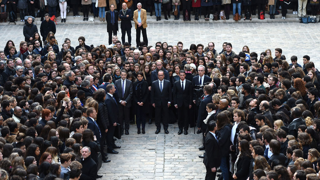 French President Francois Hollande leads the nation in a minute of silence in memory of the victims of last Friday's attacks. (AAP)