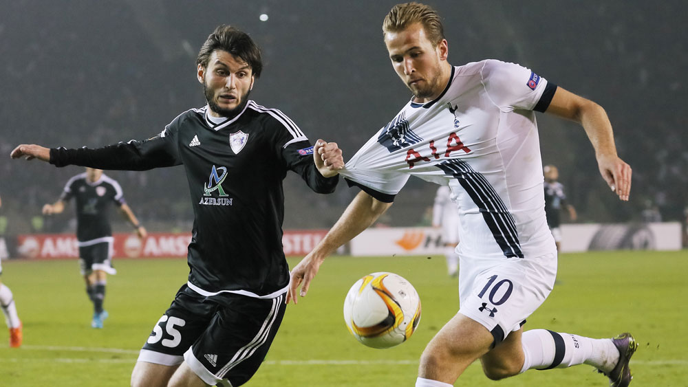 Harry Kane (r) in action for Tottenham. (Getty)