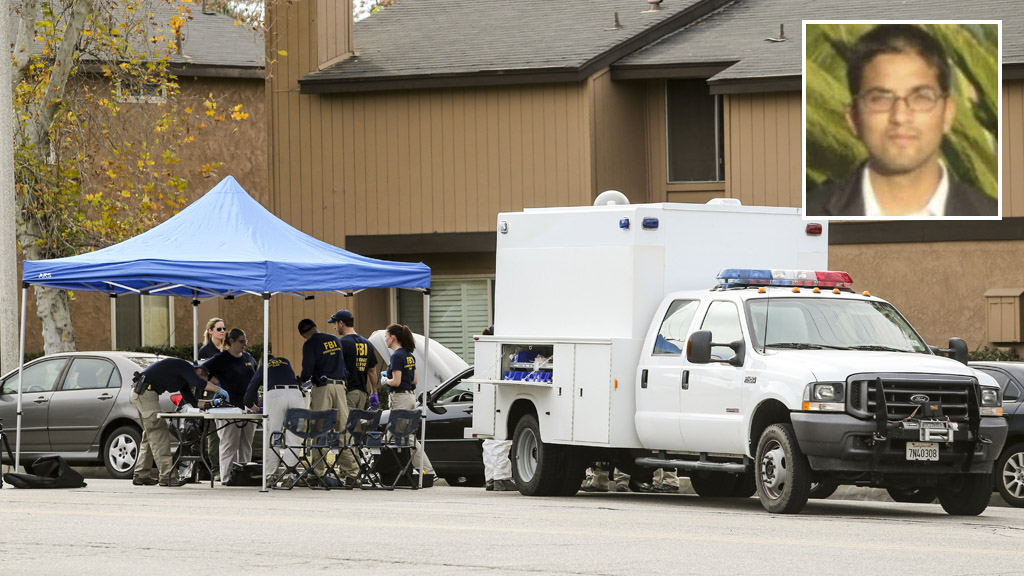 FBI agents outside a home in Redlands, California, linked to the shootings. (AAP)