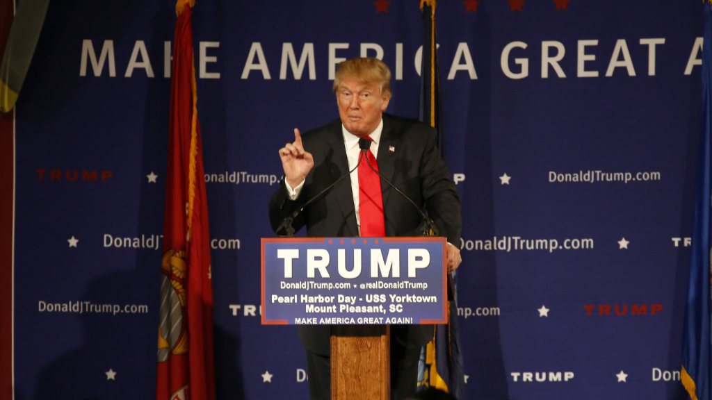 Donald Trump urges authorities to 'close up the internet' to stop ISIL recruiters