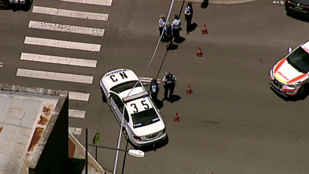 Police have blocked off several streets in Picton. (9NEWS)