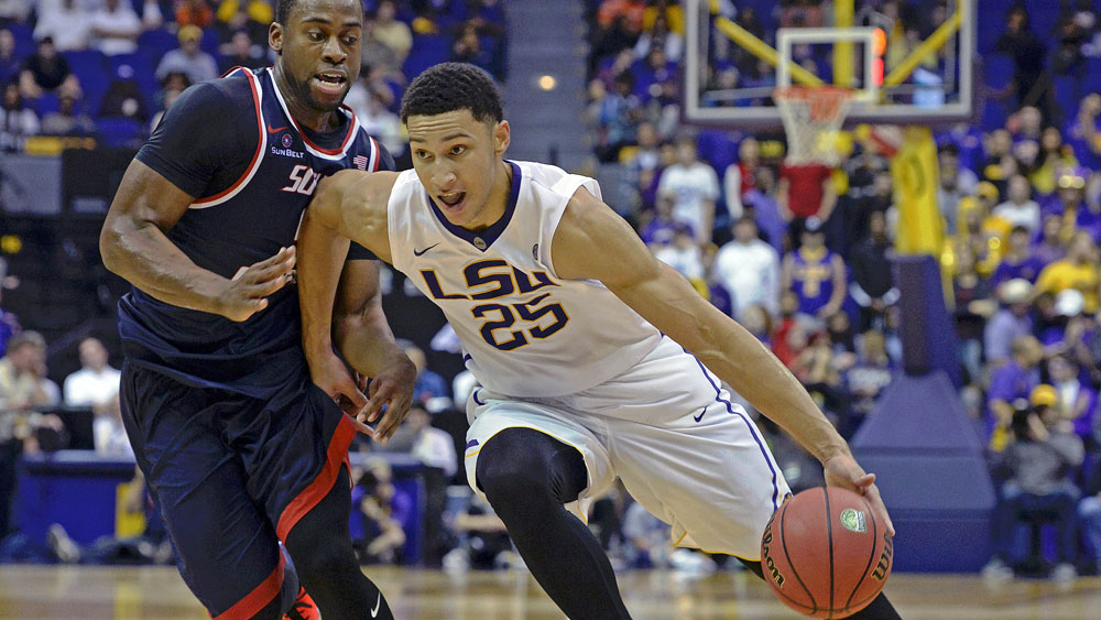 Ben Simmons playing for Louisiana State University. (AAP)