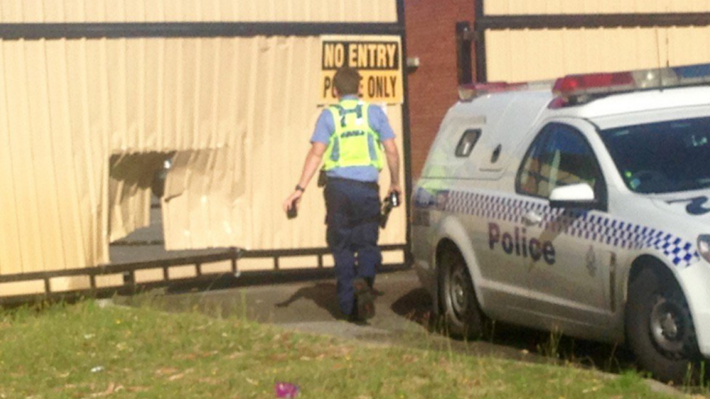 Police investigating after 4WD rammed Warwick Police Station gate, north of Perth