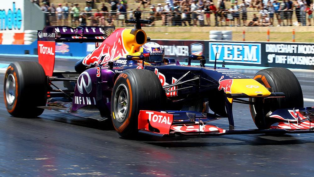 Ricciardo trounced by rival in drag battle