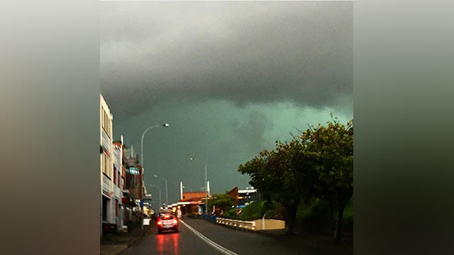 The storm rolls in over Sydney. (9NEWS)