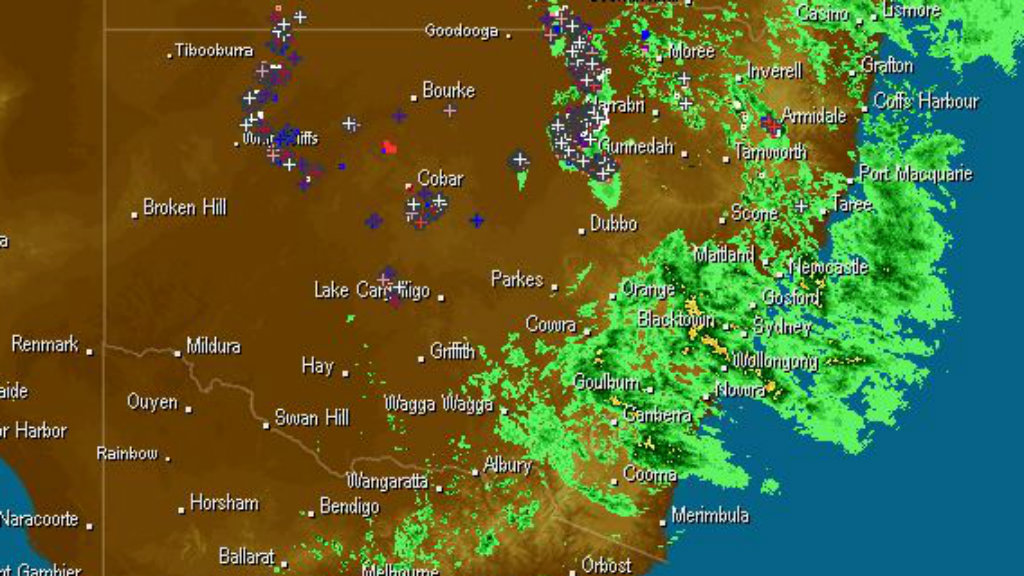 Heavy rainfall continues to linger over the NSW coast. (Weatherzone)