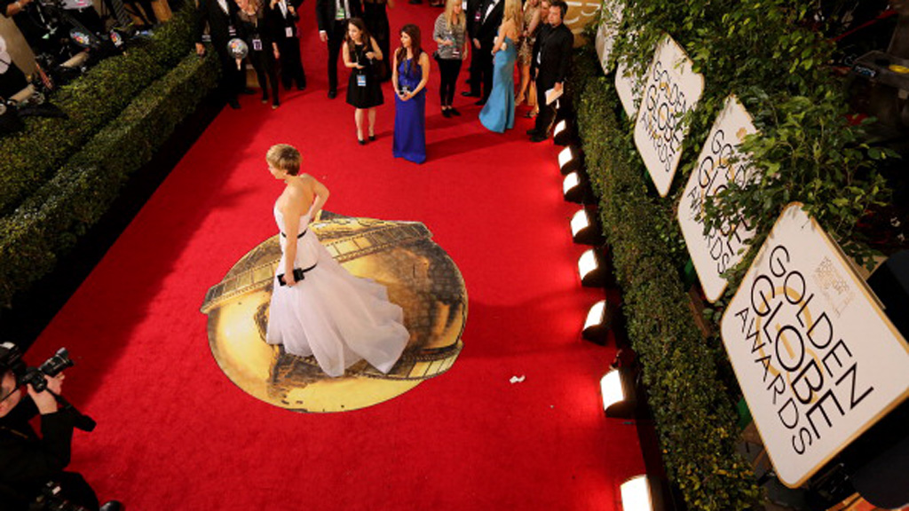 Golden Globes 2016: Demands made for women on the red carpet to be asked about more than fashion