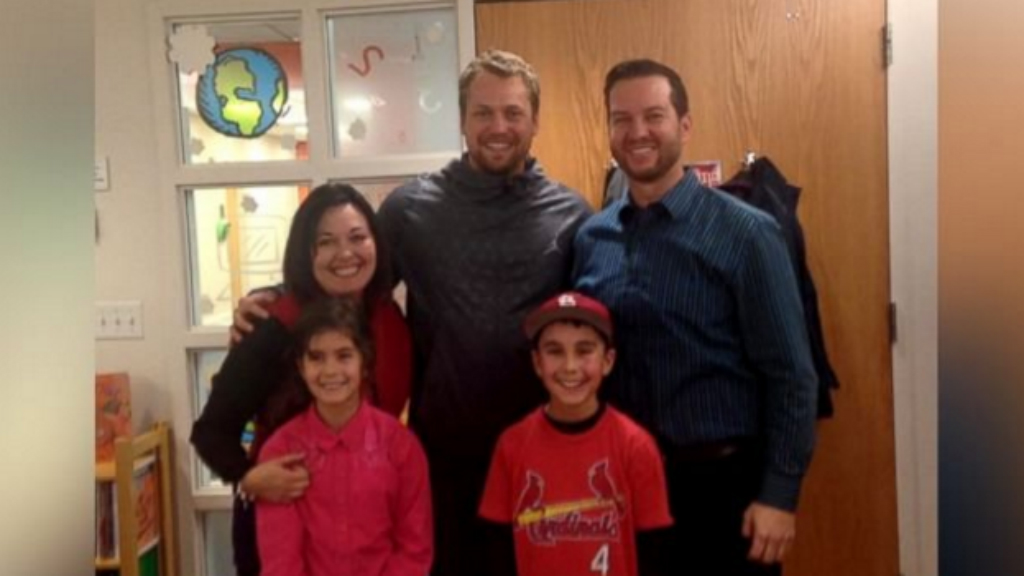 Young boy gets surprise visit from baseball hero in hospital