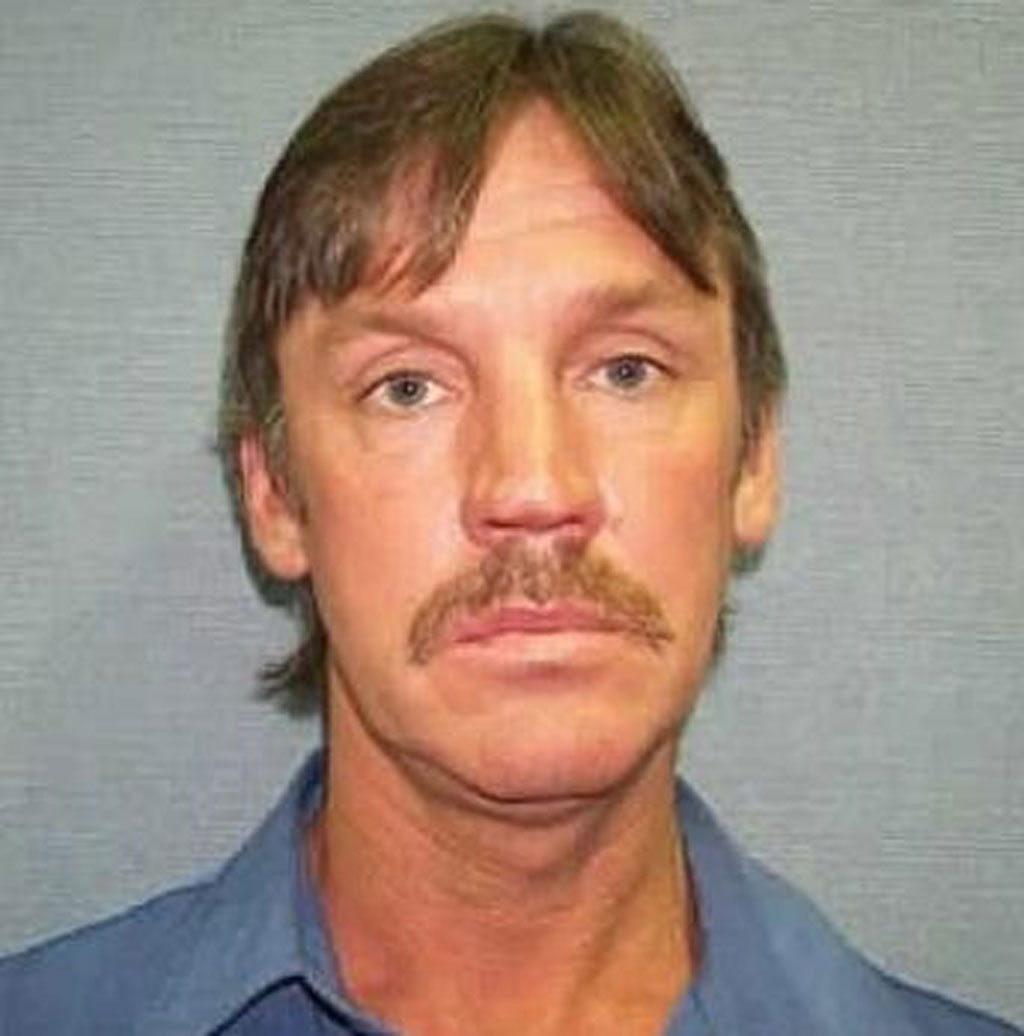 Remains of Melbourne gangland figure Terrence Blewitt, who disappeared in 2004, believed found in Thomastown