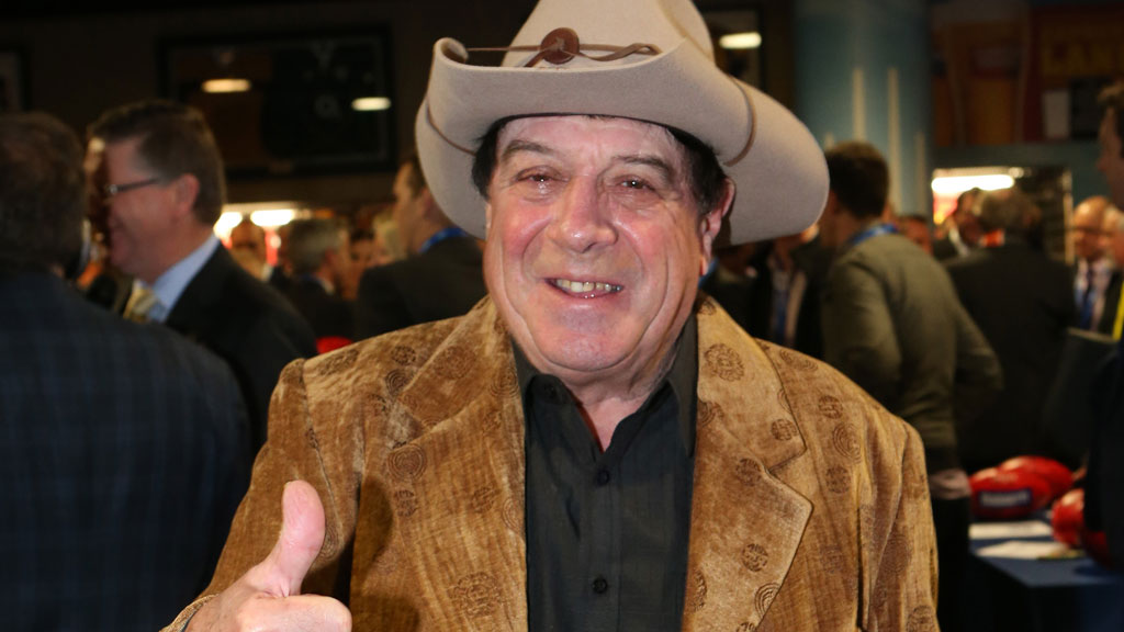 Molly Meldrum says his arm was almost amputated after Thailand fall