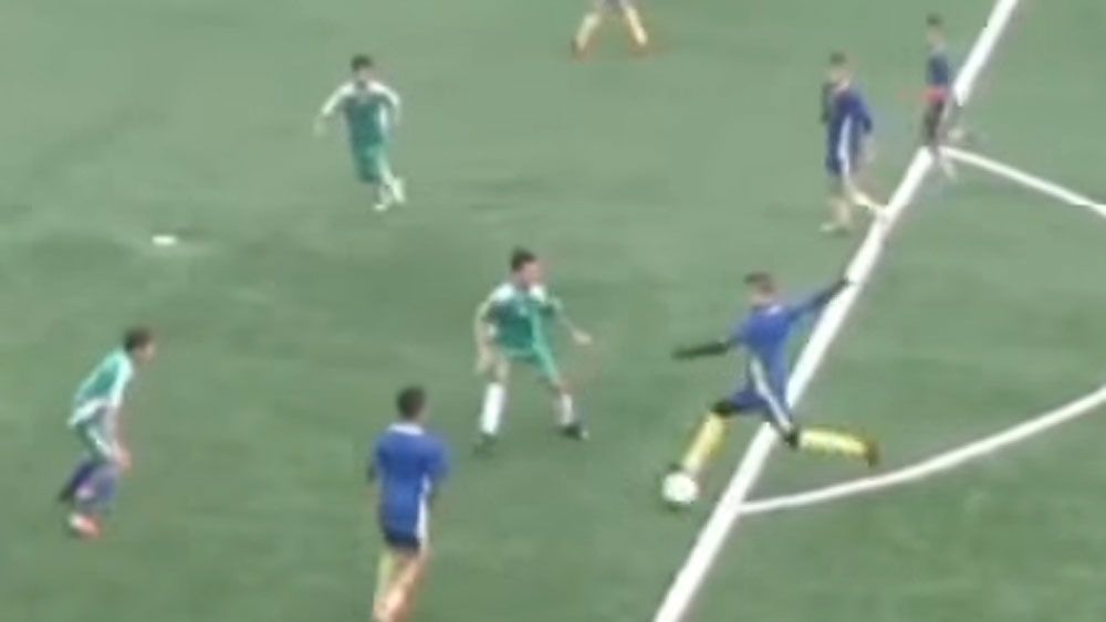 Footballer dazzles with length of field goal