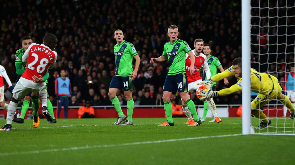 Southampton Fraser Forster blocks another shot from Arsenal. (Getty)