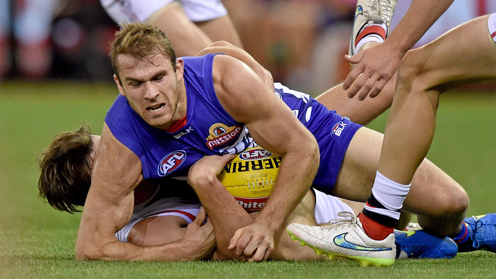 Former Essendon player Stewart Crameri in action for the Western Bulldogs. (AAP)