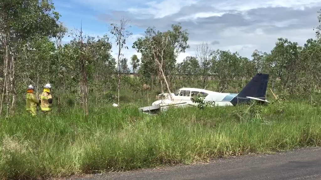 Pilot taken to hospital after light plane crash near Mareeba, north Queensland