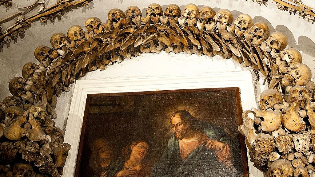 Bones decorate interior of Santa Maria della Concezione dei Cappuccini (Getty)