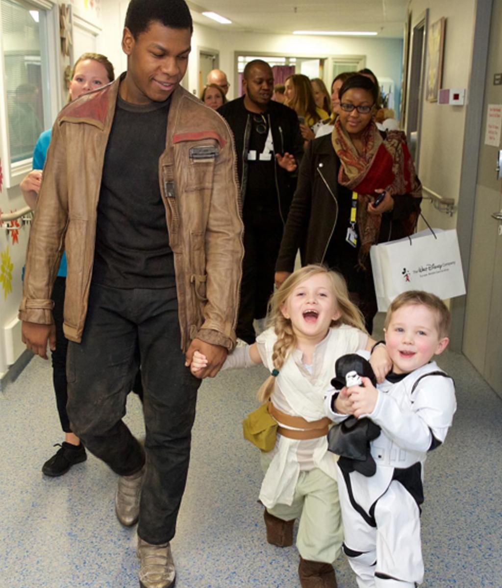 John Boyega visited children at a London hospital. (Instagram / @john_boyega)