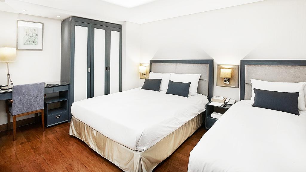 Hotel Prince bedroom (Facebook)