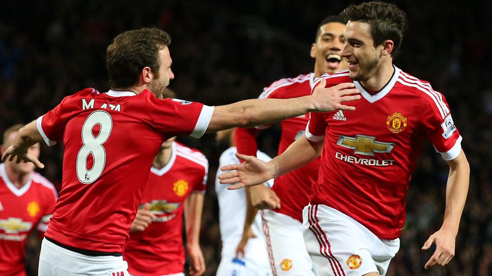 Darmian shines as Man United beat Palace