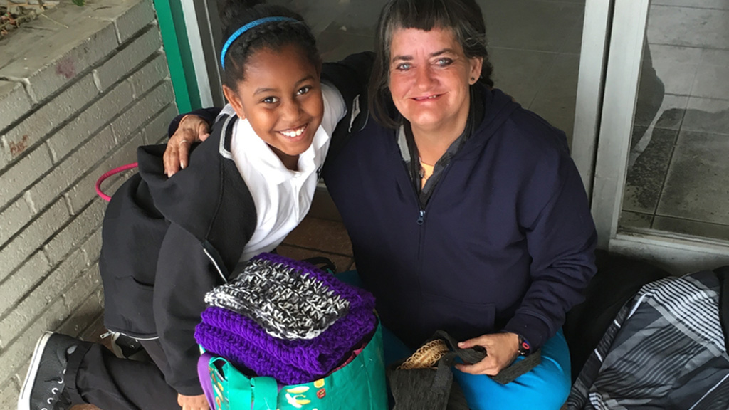 Young Californian girl creates toiletry bags for homeless women in her community