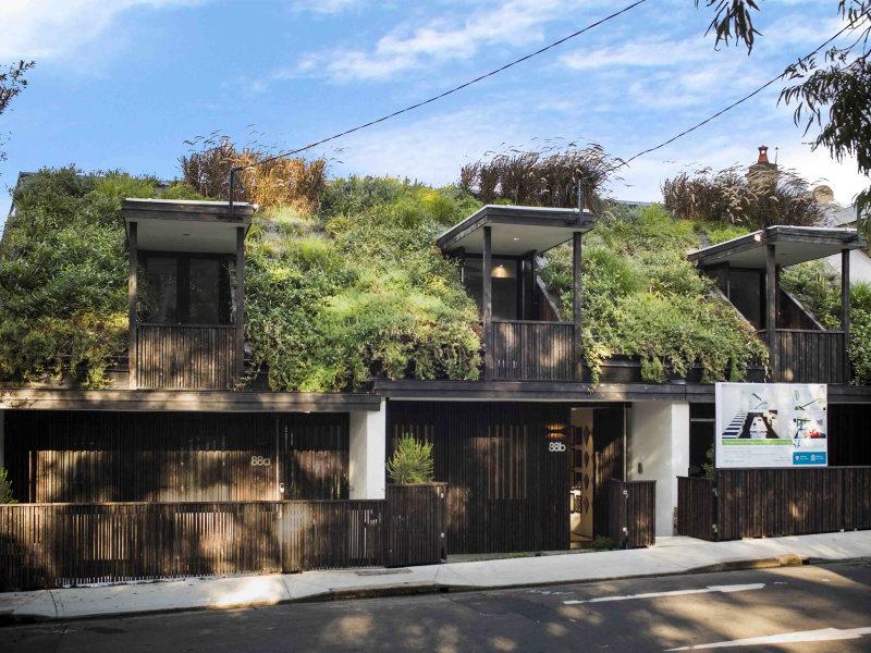 Inside sydney 39 s inner city hobbit houses 9homes for Modern hobbit house