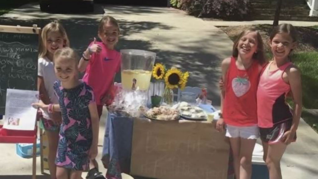The students raised US$120 for Pearl's surgeries. (CBS North Carolina)