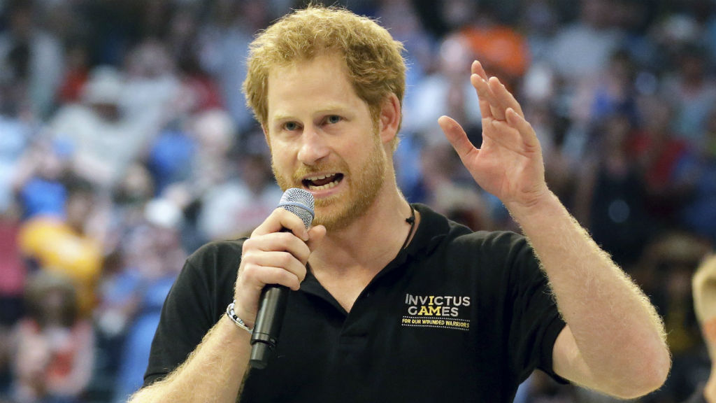 Addressing the crowd after the wheelchair basketball finals. (Alex Menendez/ Getty Images for Invictus Games)
