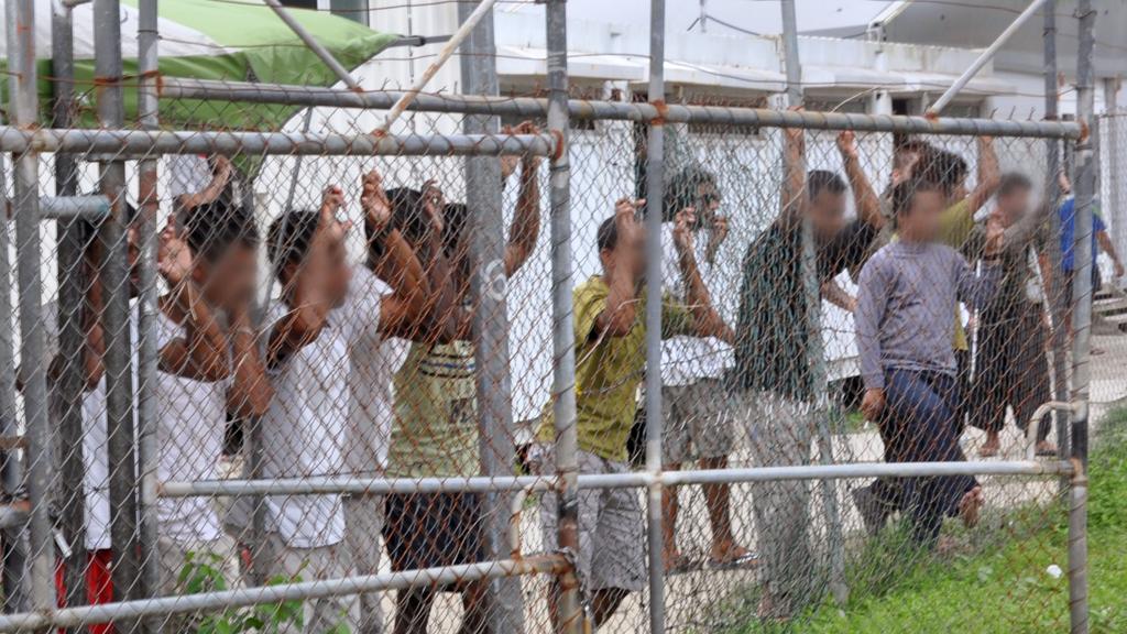 Refugees demand freedom as protests erupt at Manus Island detention centre