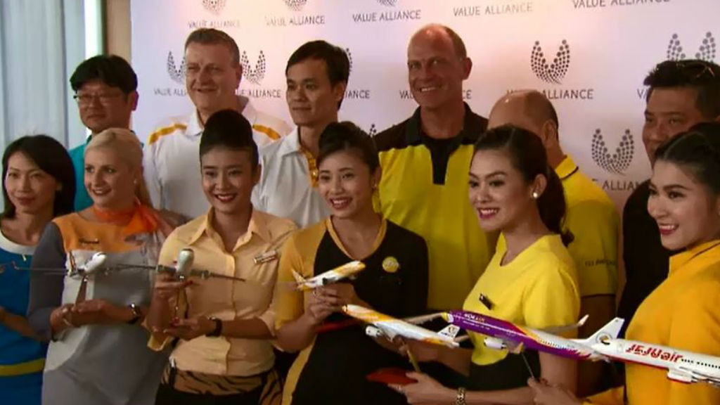 Staff from the eight airlines in Singapore today. (9NEWS)