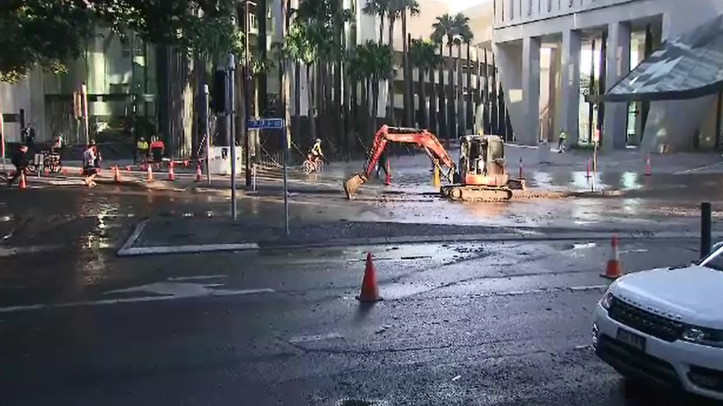 Authorities closed Eagle Street this morning. (9NEWS)