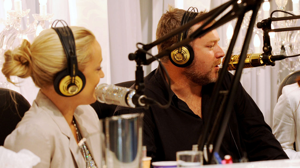 Sandilands (right) and Jackie O on air. (AAP)