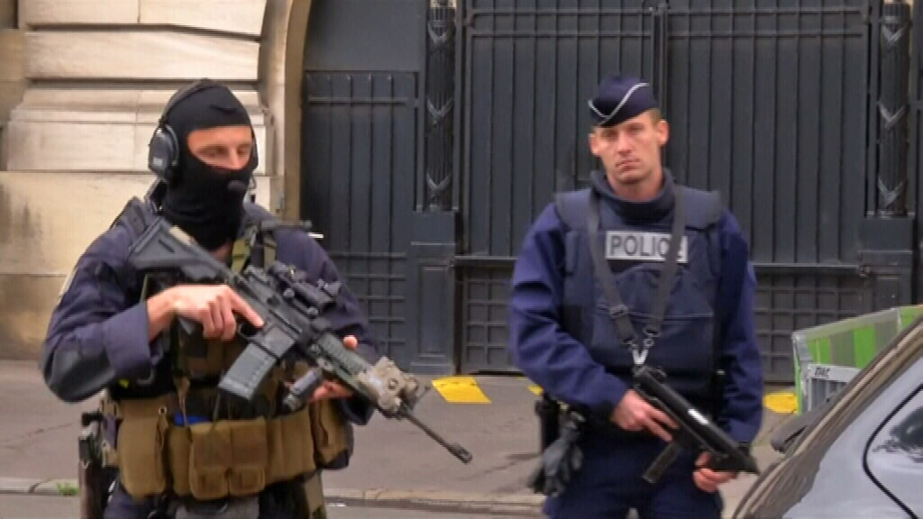(Heavy police presence at French court)
