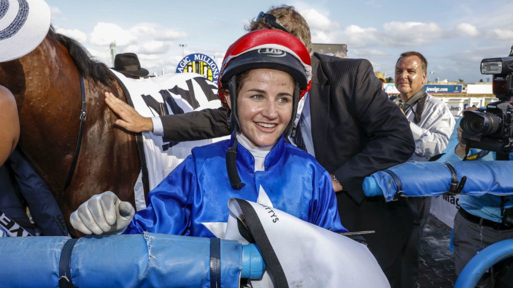Michelle Payne 'couldn't remember winning the Melbourne Cup' after Mildura horse fall