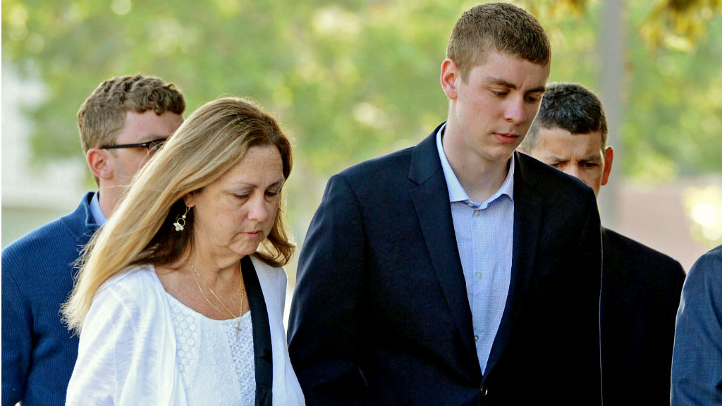 Brock Turner (right) heading into the Santa Clara Superior Courthouse on June 2. (AAP)