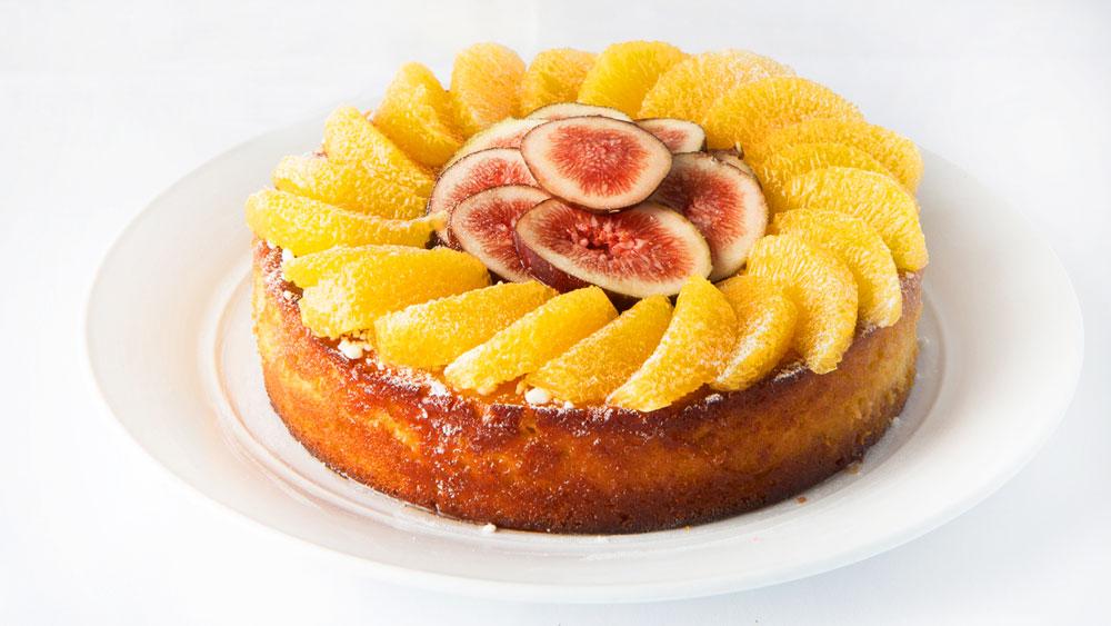 Catalina Rose Bay celebration cake