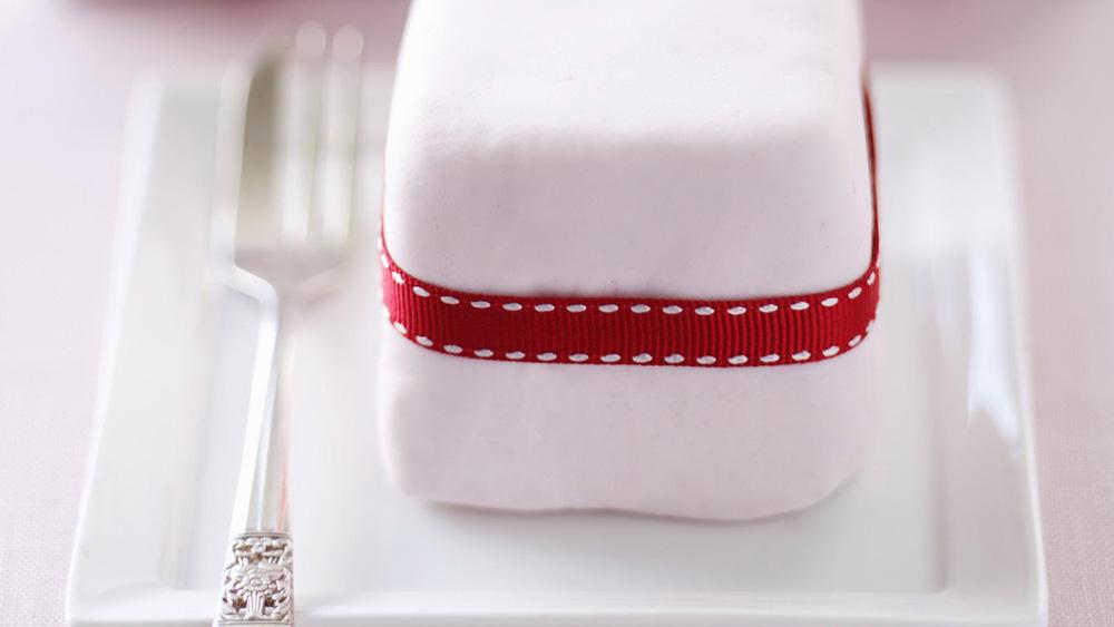 Little gift cakes