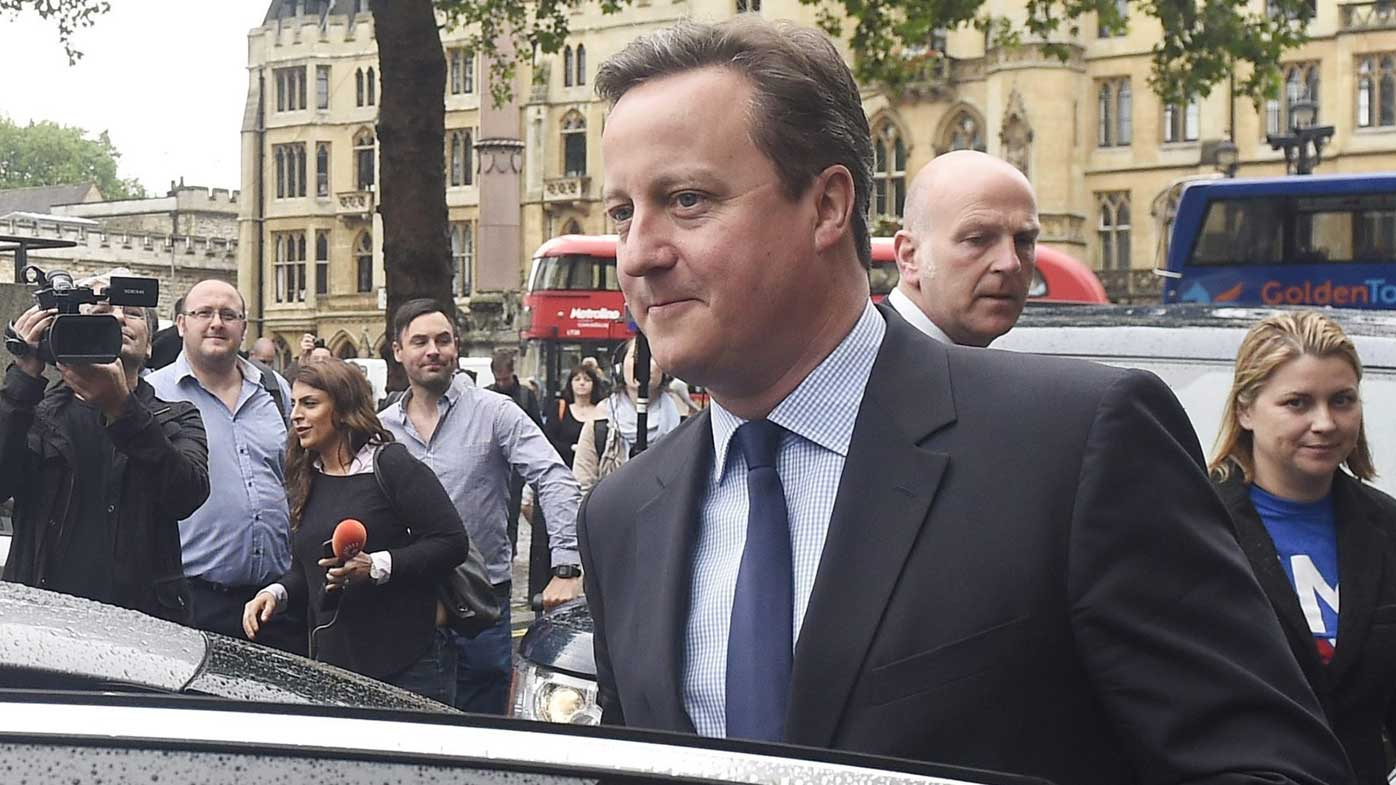 David Cameron under pressure to quit after Brexit defeat