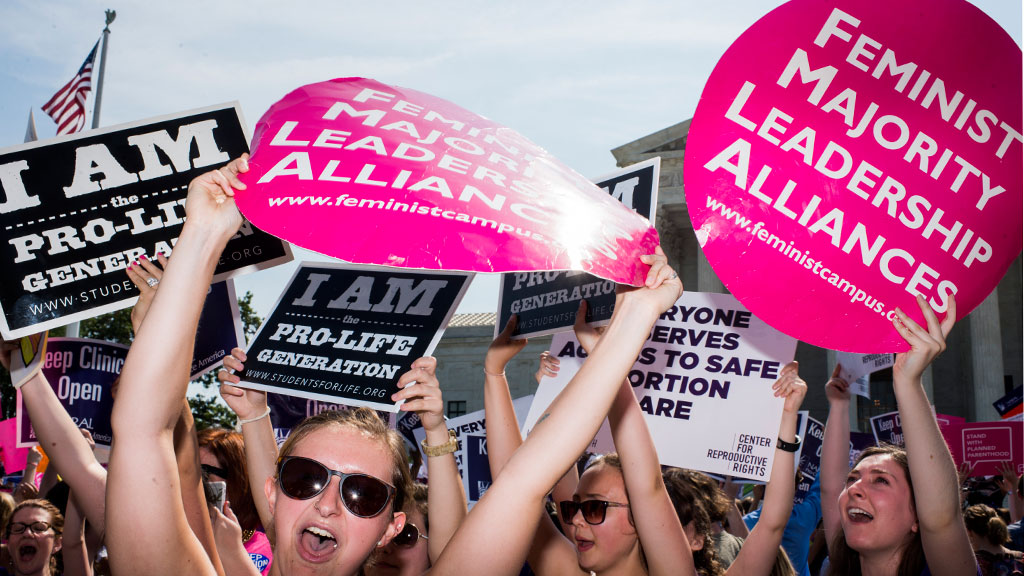 US Supreme Court strikes down restrictive Texas abortion laws