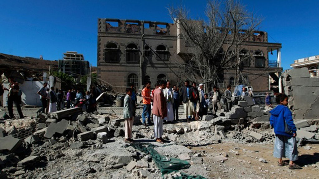 Yemen clashes, air strikes kill 80 including 37 civilians