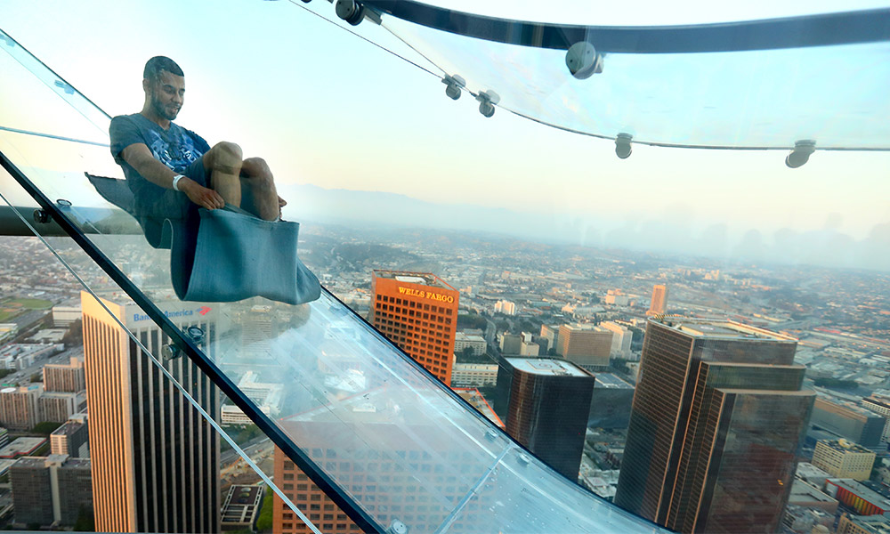 Skyspace La Slide >> Terrifying glass slide opens on LA skyscraper rooftop