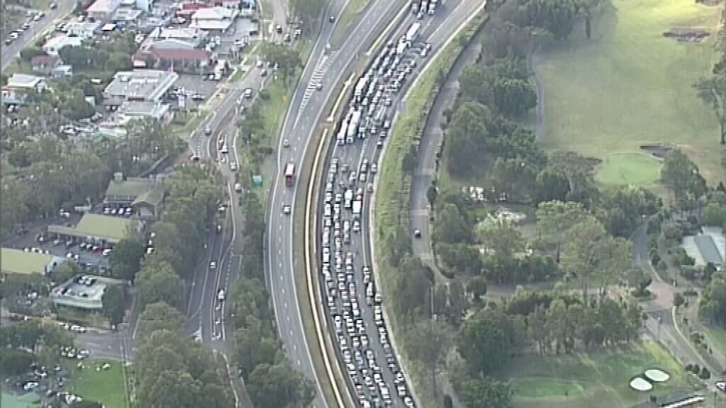 Traffic along the M1.(9NEWS)
