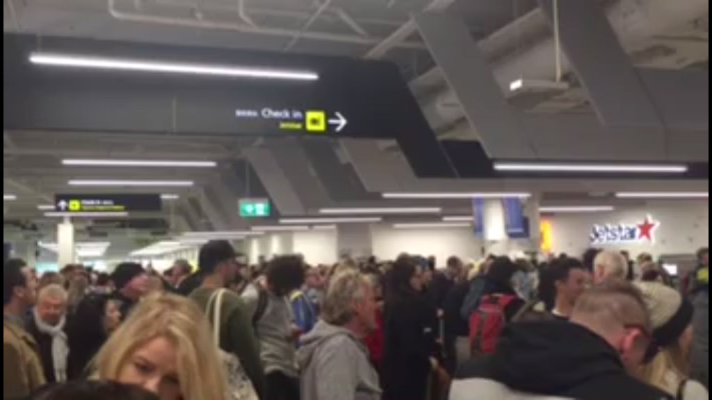 Passengers at Melbourne Airport have been unable to check-in for their flights due to the outage. (Supplied)