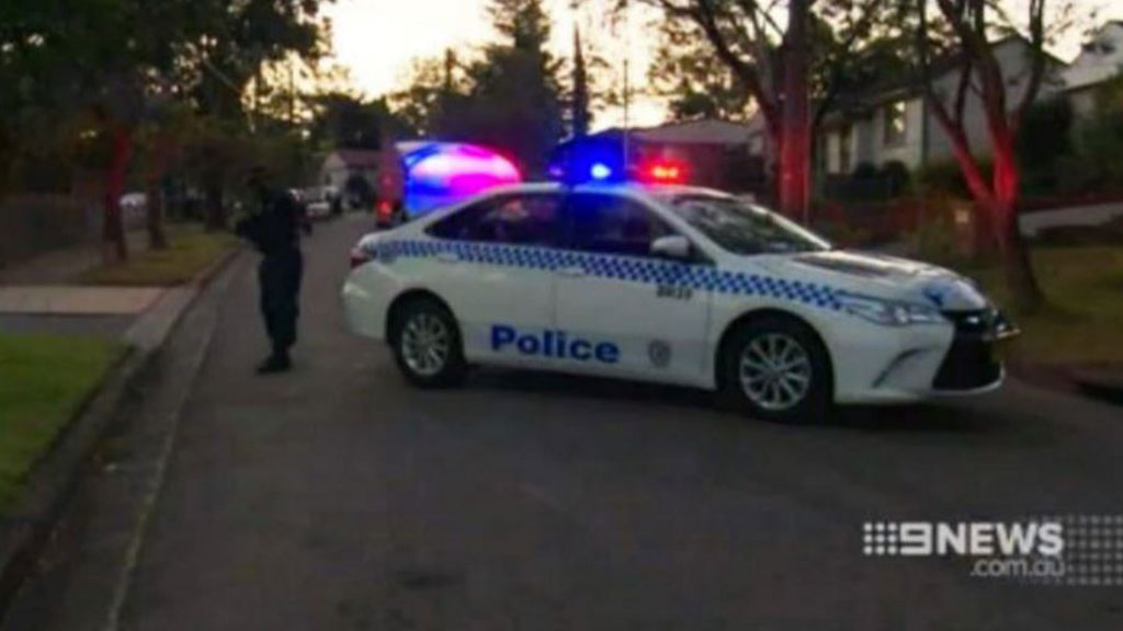 Police searching for weapon used in Sydney double stabbing