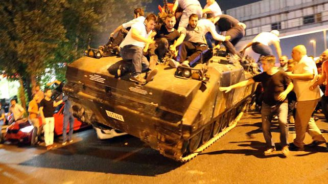 Turkish citizens revolt against military coup