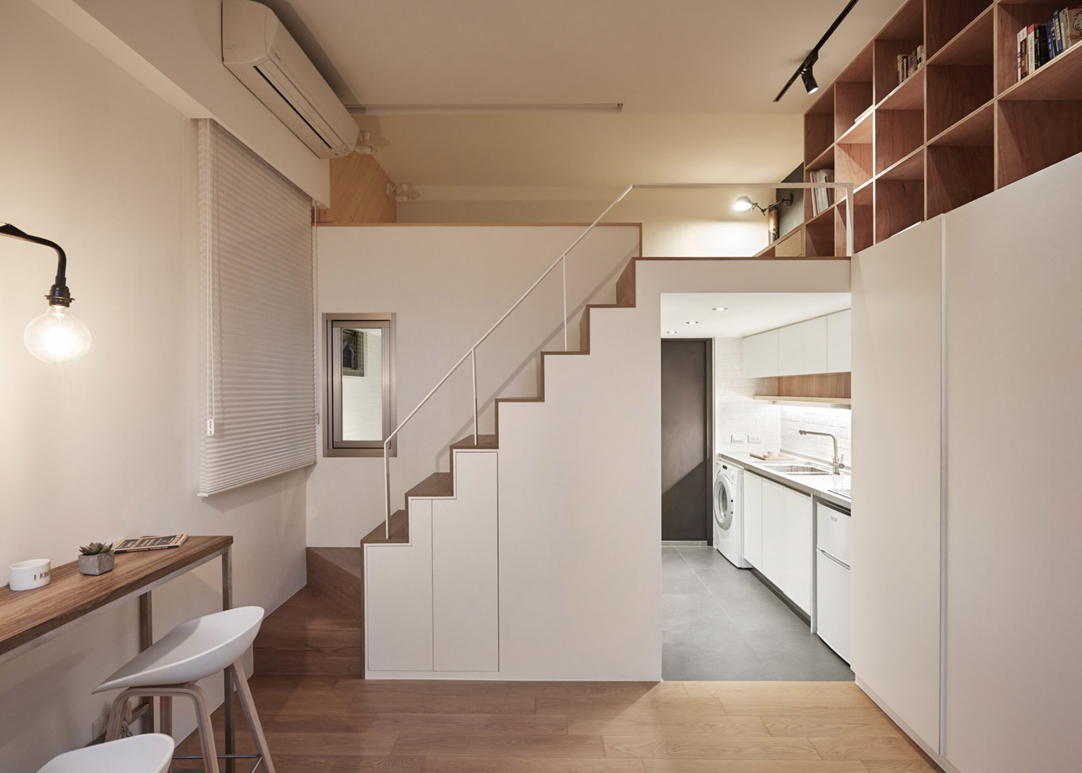 Micro apartment maximizes its tiny footprint - 9Homes