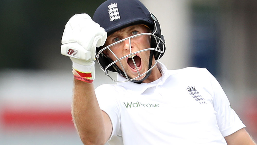 Joe Root celebrates his double century. (AAP)