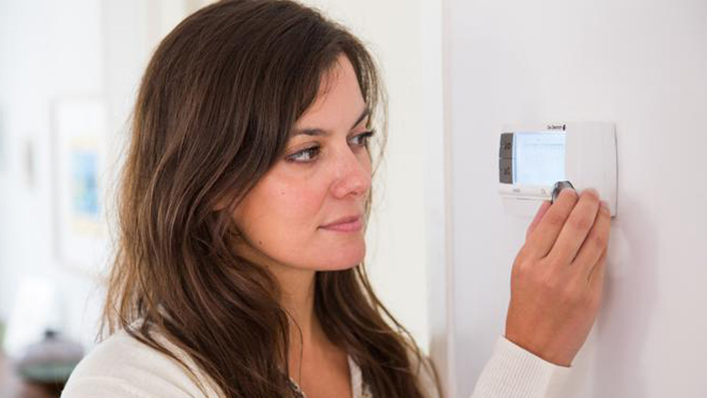 Researchers hack into thermostat to show vulnerability of 'smart' devices - 9news.com.au